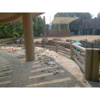 我公司承接成都市动物园大象馆仿木栏杆如期