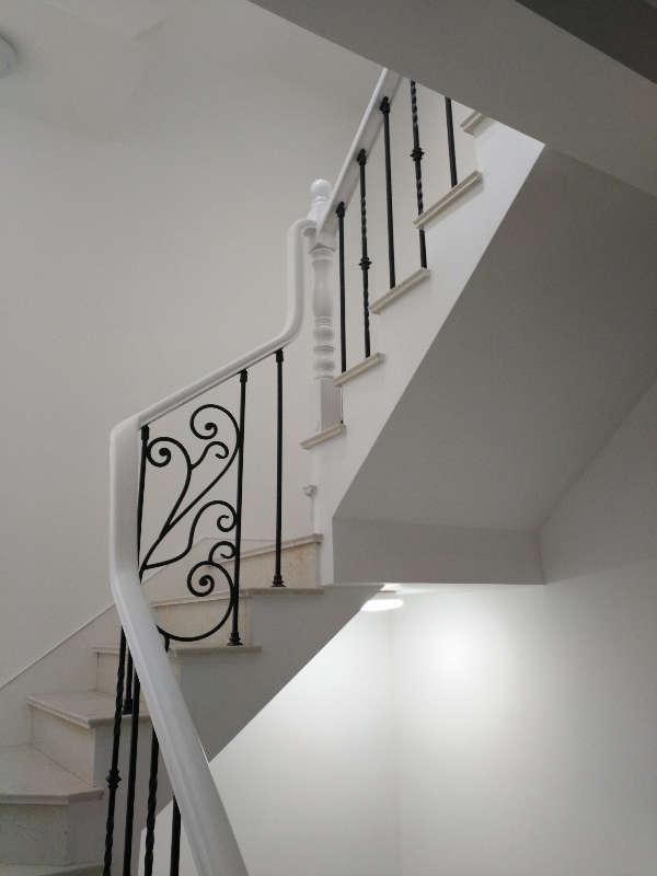 亿发楼梯专业订制钢木楼梯,实木楼梯,玻璃楼梯,铁艺楼梯,木门,地板,防盗门,防腐木。精致的产品,一流的服务! 同样的价格比质量,同样的质量比价格;同样的质量价格比服务!